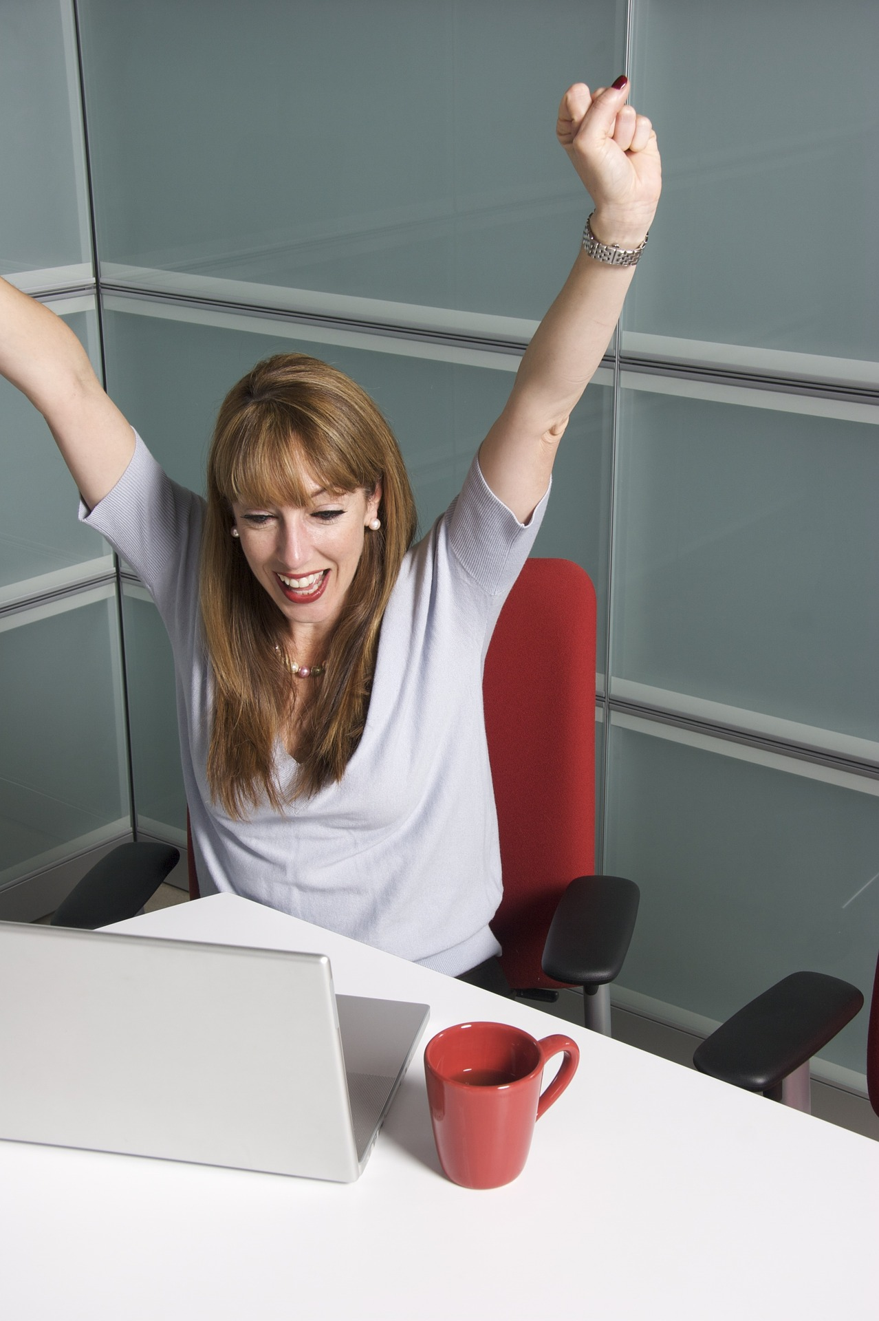 female winning online slots